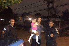PMs resgatam criança em Nova Iguaçu