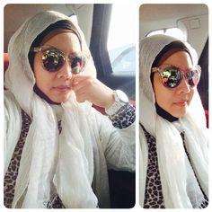 White n animal print #hijabtravelling #ootd #hijabiworkingmom