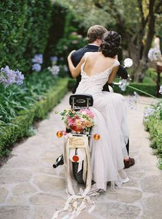 Photo Ideas From World's Top Wedding Photographers ❤︎ Wedding planning ideas & inspiration. Wedding dresses, decor, and lots more. Romantic Wedding Hair, Free Wedding, Wedding Bride, Wedding Attire, Wedding Dresses, Wedding Portraits, Wedding Photos, Motorcycle Wedding, Wedding Exits