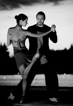Tango , Salsa, whatever. If you are a pro it looks elegant like hell! Wish I could dance like that! Shall We Dance, Lets Dance, Dance Photos, Dance Pictures, Poses, Genre Musical, Tango Dancers, Partner Dance, Dance Movement