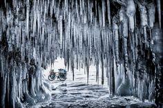 Jakub Rybicki foi para sua foto dramática de uma caverna de gelo na Sibéria ...