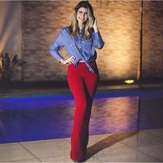 Instagram media lojasbellavip - Look Desejo !!!!  Camisa Jeans. R$ 98,00   Calça Bandagem  R$ 190,00