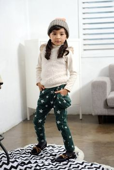 Must have these pants! All star corduroy pants, attached side pouch.