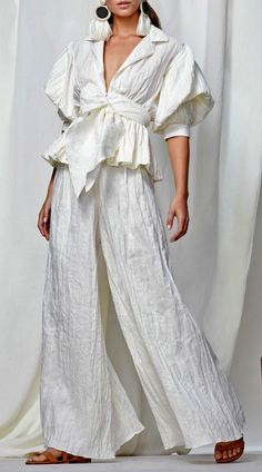 Exclusive Cameroon Linen Top by Johanna Ortiz Half Sleeves, Types Of Sleeves, Elegant Midi Dresses, Linen Pants, Jumpsuits For Women, Glamour, Fashion Outfits, Fashion Design, Style