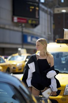 cracker of a shot. HGO #offduty in NYC. #HanneGabyOdiele #YoungJunKoo