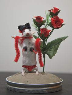 Sue Jeiven's Anthromorphic Mouse Taxidermy Class, Valentine's Day Edition