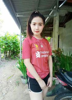 Liverpool Girls, Liverpool Fc, Sexy Asian Girls, Asian Beauty, Beautiful Women, Cosplay, T Shirts For Women, Lady, Fashion