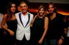 Mario Velloso ganha noivado na casa dos pais.