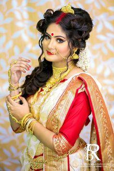 Indian Wedding Couple Photography, Indian Wedding Bride, Bengali Wedding, Indian Wedding Fashion, Bride Photography, Indian Fashion, Indian Photoshoot, Bridal Photoshoot, Bengali Bridal Makeup