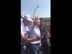 Vitorean al expresidente Felipe Calderón durante la Fórmula 1