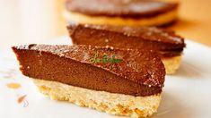 Tarta de ciocolata cu avocado - un desert natural, la rece | La Taifas Avocado, Desserts, Food, Tailgate Desserts, Deserts, Lawyer, Essen, Postres, Meals