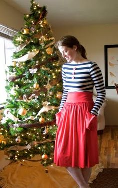 Tutorial: The Jersey Skirt  http://www.rufflesandstuff.com/2009/11/tutorial-jersey-skirt.html