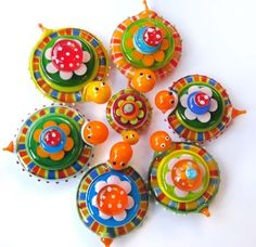 carlees world --- cosmic candies --- Glassbeads snurtle family 2011