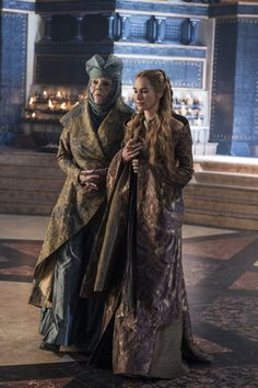 Olenna Tyrell & Cersei Lannister - game-of-thrones Photo Game Of Thrones Dragons, Game Of Thrones Tv, Sir Arthur Dayne, Lady Olenna Tyrell, Divas, Queen Cersei, Cersei And Jaime, Got Costumes, King In The North