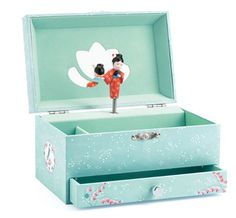 A collection of wooden musical boxes to deligh young and old alike. Musical boxes animated by gentle by beautiful animated figurines and soft melodies. Web Storage, Storage Chest, Jewellery Boxes, Jewellery Storage, Wood Height Chart, Musical Jewelry Box, Aiko, Wooden Puzzles, Kids Store