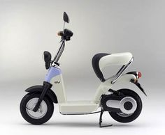 Hondas Cute Seated Electric Scooter : TreeHugger