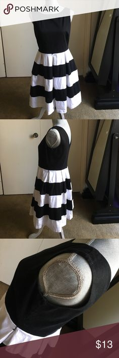 Black/White Striped A-Line Dress - 8 Perfect for Work - Looks Super Cute w/a Colorful Skinny Belt! Excellent Condition, Thick Fabric, V-Back. No Piling or Discoloration. Bought @ JCP 🌹 Tiana B Dresses Midi