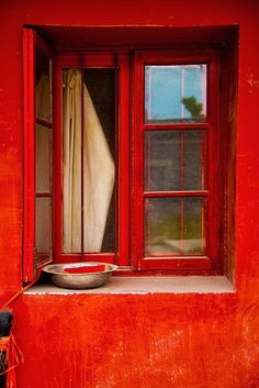 "renardiere: "" Red Window "" RED"