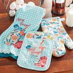 Cute Kitchen, Kitchen Sets, Kitchen Towels, Kitchen Decor, Pioneer Woman Dishes, Pioneer Woman Kitchen, Pioneer Women, Vintage Trailer Decor, Fixer Upper Kitchen
