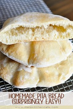 Homemade Pita Bread Pita bread is surprisingly super easy to make at home; in this post, you'll get all the tips and tricks to make the pita breads puff perfectly! Bread Bun, Easy Bread, Flat Bread, Naan, Homemade Pita Bread, Tandoori Masala, Bread Machine Recipes, Pita Bread Recipe Bread Machine, Baking Recipes