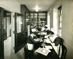 Chesnut Hill Hospital School of Nursing Reading Room, circa 1920. Image courtesy of the Barbara Bates Center for the Study of the History of Nursing.