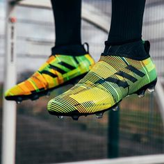 Ooosh! Would you rock this new GLITCH skin? Hit the LINK IN BIO to check out our GLITCH17 starter pack unboxing! @adidasuk