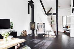 Appartement met veel licht en zwarte houten balken