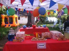 Minion carnival party decor
