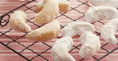 A powder sugar-coated shortbread from Greece, made for special occasions and festive Christmas season. My grandma taught me how to make these. They are totally nostalgic for me, not to mention absolutely DELISH! Almond Recipes, Tea Recipes, Greek Recipes, Snack Recipes, Cooking Recipes, Recipies, Snacks, Cooking Ideas, Cake Recipes