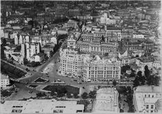 Centrul capitalei vazut din avion in 1930 - Episodul 4 Bucharest Romania, Paris Skyline, City Photo, Modern, Travel, Memories, Beautiful, Buildings, Bucharest