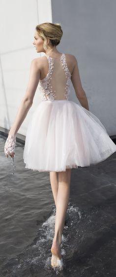 Mira Zwillinger Spring 2017 DAISY Short Wedding Dress - Deer Pearl Flowers / http://www.deerpearlflowers.com/wedding-dress-inspiration/mira-zwillinger-spring-2017-daisy-short-wedding-dress/