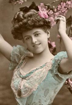 Interesting photo treatment -- vintage tinted lady photo