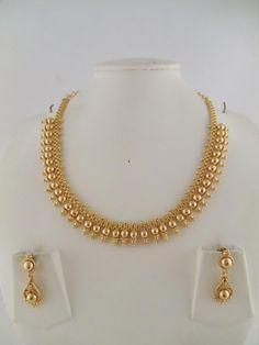Jewellery Organizer Drawer despite Gold Necklace Set To Buy Indian Gold Necklace Designs, Antique Jewellery Designs, Pearl Necklace Designs, Gold Mangalsutra Designs, Indian Jewelry Sets, Gold Earrings Designs, Necklace Set, Indian Necklace, Gold Designs