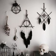 this dream catcher is cool and u guys can do this all by yourself and you will b. this dream catcher is cool and u guys can do this all by yourself and you will be satisfied also so catcher Cool diybookshelf diydog diydreamcatcher diyholz diyinterie Wiccan Decor, Witchcraft, Goth Home Decor, Diy Home Decor, Book Of Shadows, Diy And Crafts, Diy Projects, Macrame Projects, Homemade Home Decor