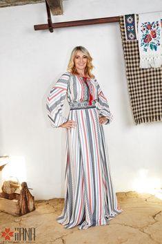 Nadia Comaneci for IIANA Nadia Comaneci, Bellisima, Pants, Dresses, Sport, Fashion, Dress, Gymnastics, Trouser Pants