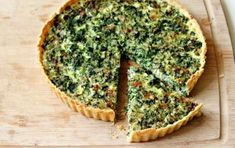 All the real men and women are doing it. Spinach Quiche slightly adap. I Love Food, Good Food, Yummy Food, Quiches, Ricotta, Brunch Recipes, Breakfast Recipes, Vegetarian Pie, Spinach Quiche