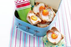 Heres a healthy, delicious moveable lunch for busy kids on the go in summer! The ingredient of Ham And Egg Bread Tarts 6 slices day ol. Delicious Sandwiches, Delicious Dinner Recipes, Brunch Recipes, Brunch Ideas, Picnic Ideas, Picnic Recipes, Breakfast Recipes, Ham And Eggs, Healthy Meals For Kids