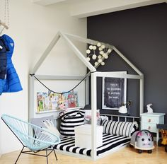 Here is a brand new picture from my boy's room! I have build the house my self. Guide is on the blog. #kidsroom #diy