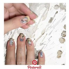 Nail art is a very popular trend these days and every woman you meet seems to have beautiful nails. It used to be that women would just go get a manicure or pedicure to get their nails trimmed and shaped with just a few coats of plain nail polish. Nail Manicure, Gel Nails, Nail Polish, Toenails, Minimalist Nails, Trendy Nails, Cute Nails, Gel Nagel Design, Nagellack Trends