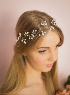 Madame Allure - Wianek białe kwiatki