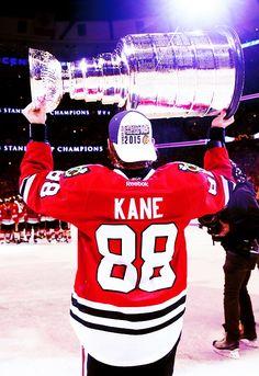 One of my favorite pictures of Patrick Kane ❤️ Blackhawks Hockey, Hockey Teams, Chicago Blackhawks, Hockey Players, Flyers Hockey, Sports Teams, Hockey Girls, Hockey Mom, Ice Hockey