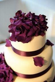 plum wedding cakes/ shade of purple stylish wedding cakes/ rustic chic wedding cake toppers Purple Cakes, Purple Wedding Cakes, Purple Wedding Flowers, Wedding Cakes With Flowers, Plum Flowers, Wedding Colors, Sugar Flowers, Fresh Flowers, Plum Cake
