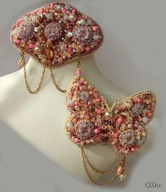 "Комплект "" Мадам Помпадур""..Вышивка.Заколка+ брошь бабочка. Бисер,бусины,пайетки,кабошоны. Сентябрь 2015"