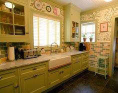 Garden Patterned, Lime-Hued Kitchen