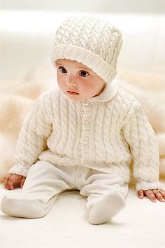 Crochet Patterns Pullover Baby jacket with cable pattern - for knitting advanced and a great gift idea . Knitting Blogs, Knitting For Kids, Baby Knitting Patterns, Baby Patterns, Crochet Patterns, Crochet Pullover Pattern, Knit Crochet, Ravelry, Cardigan Bebe