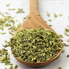 Fennel for irritation and redness  Fennel with its slight licorice flavor, is especially good for sensitive skin; it decreases redness and…