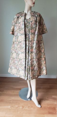 Early Maurice Rentner/Bill Blass Organza Dress and Floral Coat Set / Dress / Coat / Dress and Coat / Small Vintage Summer Dresses, 50s Dresses, Vintage Outfits, Vintage Fashion, Organza Dress, Silk Organza, Cotton Silk, Bill Blass, Vintage Couture