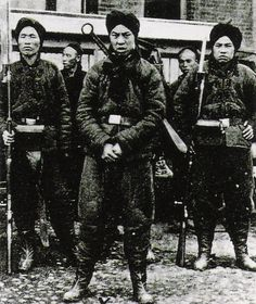 oldthunder:    Soldiers of the Society of Righteous and Harmonious Fists during the Boxer Rebellion.