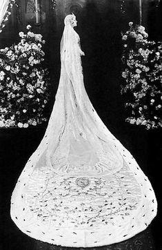 Gloria Swanson wedding dress