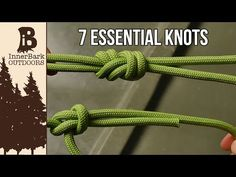 In this tutorial I show you how to tie a snake knot. The knot has many uses in rope crafts, from making bracelets, lanyards, to even making dog leashes and zipper pulls. It is a very common knot in the paracord crafts, so I highly recommend learning it. Rope Knots, Macrame Knots, Lanyard Knot, Reef Knot, Snake Knot, Survival Knots, Survival Tips, Loop Knot, Armband Diy